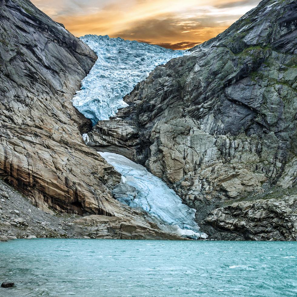 Glaciar Briksdal (desde Nordfjordeid)