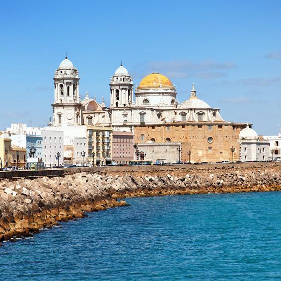 Cádiz, ciudad alegre y viva