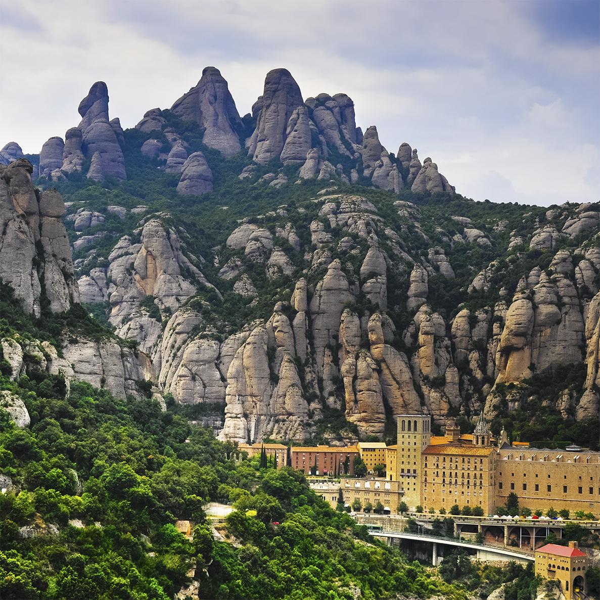 Barcelona: visita Montserrat, Sitges y bodega de Cava (PRIVADO)